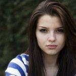 女性同士の嫉妬は怖い!職場で無視、学校で陰口などなど